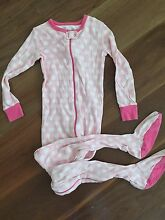 Set of 2 Onesies - Old Navy - Size 5 - 100% Cotton Cherrybrook Hornsby Area Preview