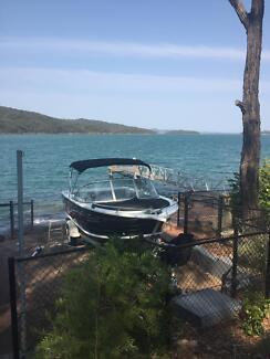 Freedom Cruiser Boat