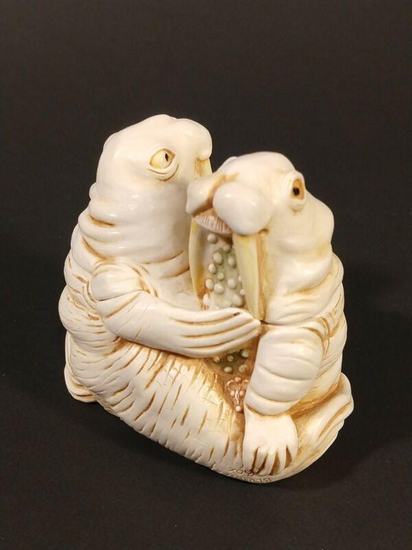 "Vtg Harmony Kingdom ""Love Seat"" Walruses Trinket Box"