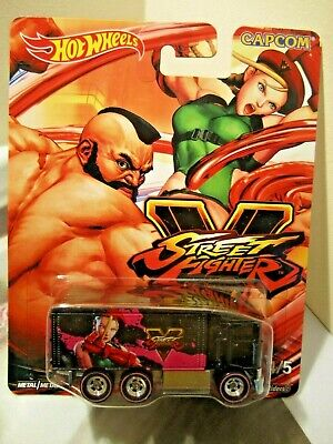 Hot Wheels Pop Culture Capcom Street Fighter Hiway Hauler Real Riders
