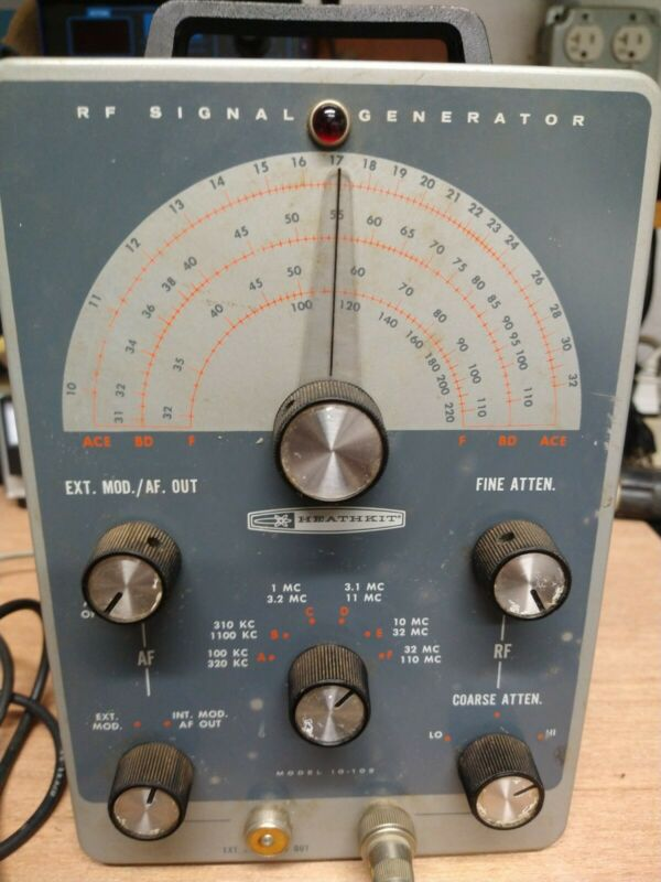 Heathkit model IG-102 RF Signal Generator