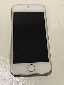 32GB iPhone 5s. Gold/white  unlocked Varsity Lakes Gold Coast South Preview