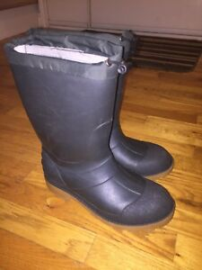 Men's winter boots - size 6