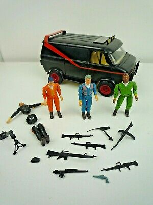 VINTAGE 1980'S GALOOB A-TEAM VAN WITH 4 FIGURES AND SOME WEAPONS / ACCESSORIES