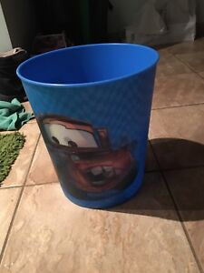 Cars garbage can
