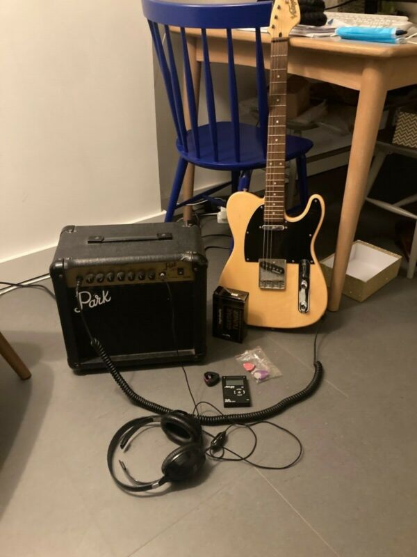 Vintage V52 guitar, Wilkinson, Park G10R, Guitar Tuner, Headphones fully working