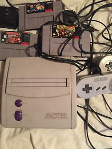 Super Nintendo 3Games 2Controllers$160Obo