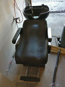 Salon chair selling as is