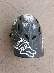 Fox kids rampage helmet size medium South Maclean Logan Area Preview
