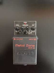 Boss Metal Zone MT2 pedal