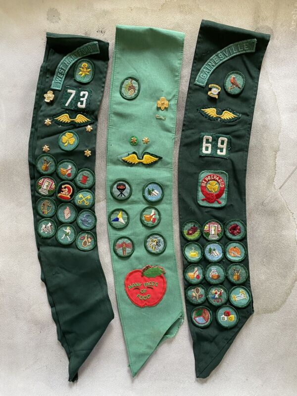 Vintage Girl Scout sash with  badges & pins ~ Lot of 3