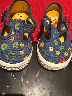 Vintage 1980's Pretty Blue Flowered Style Kids baby Girl Shoes Size - 1980s Kids Fashion
