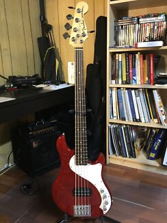 FS: Fender USA Dimension Deluxe 5string Bass Padbury Joondalup Area Preview