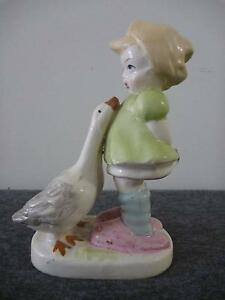 Hummel style Girl with Geese statue Cleveland Redland Area Preview