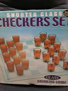 Shooter Glass Checkers set