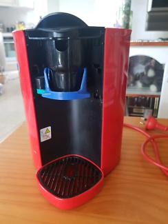 NESCAFE RED MUG COFFE MACHINE