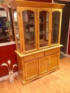 2PC Solid Wood China Cabinet in Good Condition
