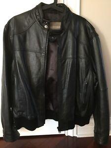 Manteau de cuir de marque