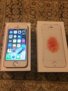 iPhone SE Rose Gold 16GB in Mint Condition