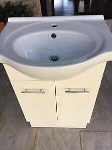 Porcelain Vanity 60cm Grose Wold Hawkesbury Area Preview