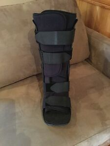 Medical Moon Boot (Full) Surfside Eurobodalla Area Preview