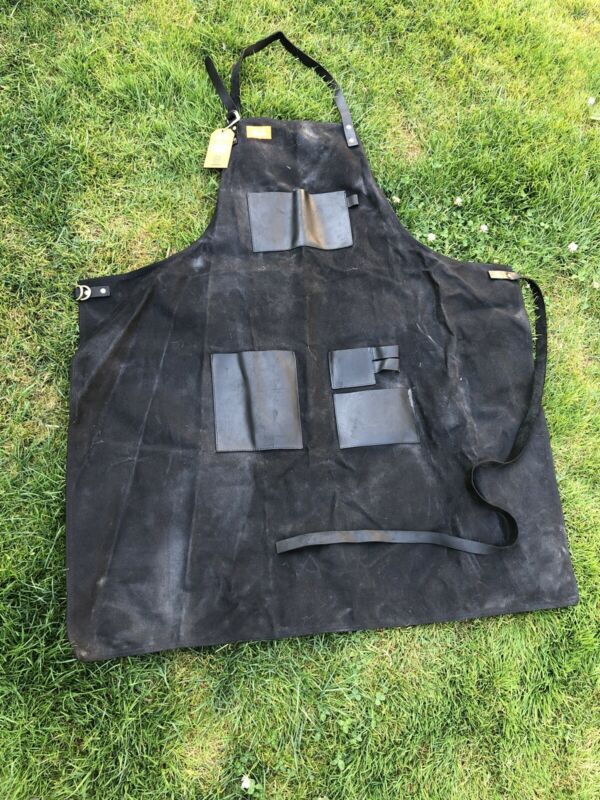 BRAND NEW APP156 Traeger Black Canvas & Leather Solid Apron