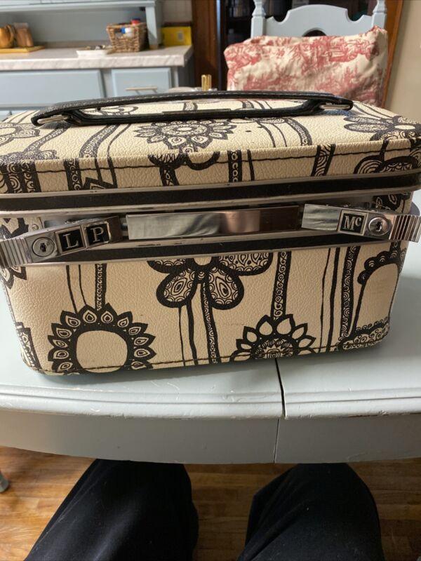 Vintage Samsonite  Fashionaire Train case Hippie Flowers  NO KEY
