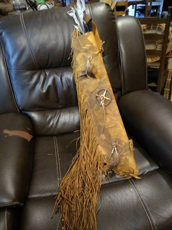 **AWESOME VINTAGE NATIVE AMERICAN HAND MADE LEATHER ARROW QUIVER 1960s SUPER!**
