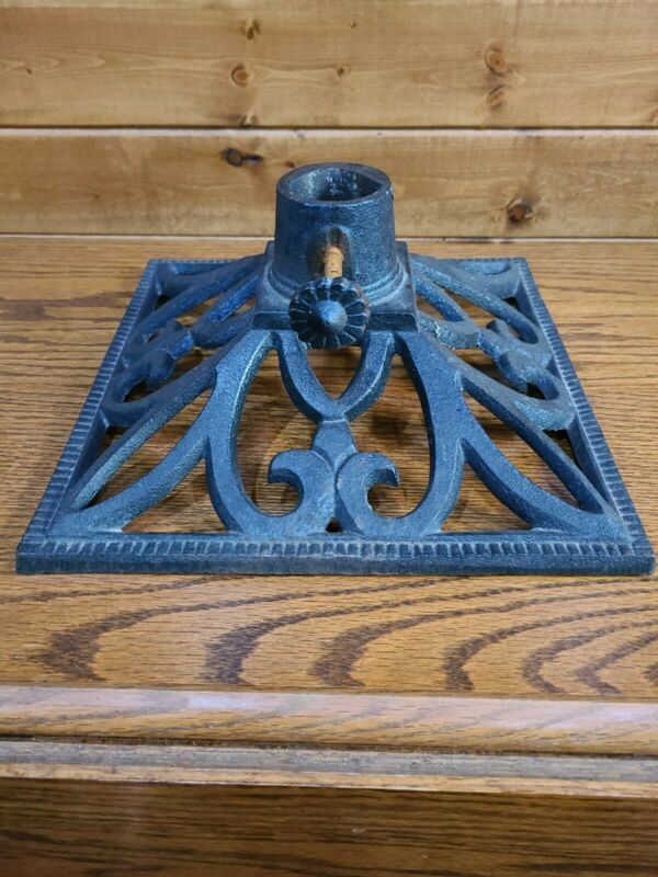 Antique/Vintage Cast Iron #23 Christmas Tree Stand /decor