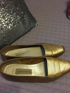 Selling several pair shoes. All size9 St. John's Newfoundland image 2