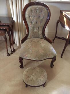 Victorian hand carved Ladies Chair