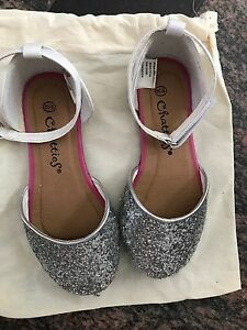 Chatties girl shoes size 9/10