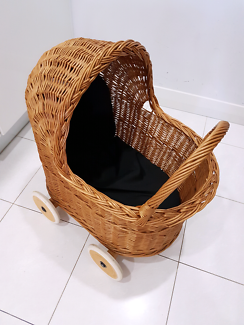 Beautiful cane basket - Doll pram
