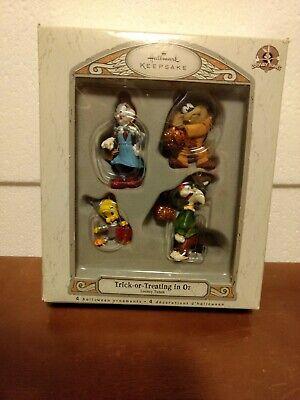 2007 Hallmark Trick-or-Treating in Oz Looney Tunes 4 Ornament Set Halloween NIB