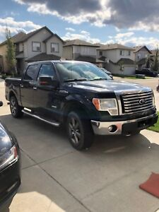 FORD F150 XLT 1 OWNER LOW KM