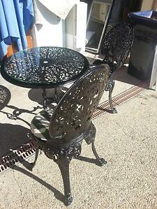 2 METAL GARDEN OUTDOOR SETTINGS - TABLE AND 2 CHAIRS $80 AND $120 Murrumba Downs Pine Rivers Area Preview