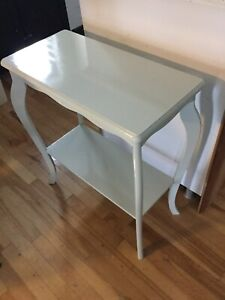 Grey hall accent table