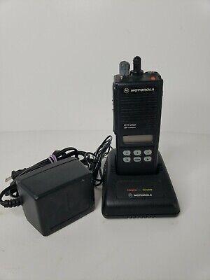 Motorola Mts 2000 Model Ii Flashpoint H01ucf6pw1bn Portable 2-way Radio 6 Button