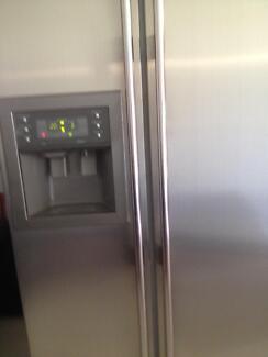 Samsung fridge Thornlands Redland Area Preview