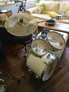 Full setup: Pearl Traveller hybrid acoustic/electronic drum kit Melville Melville Area Preview
