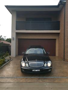 Mercedes-Benz E240 w211 V6 luxury showroom condition
