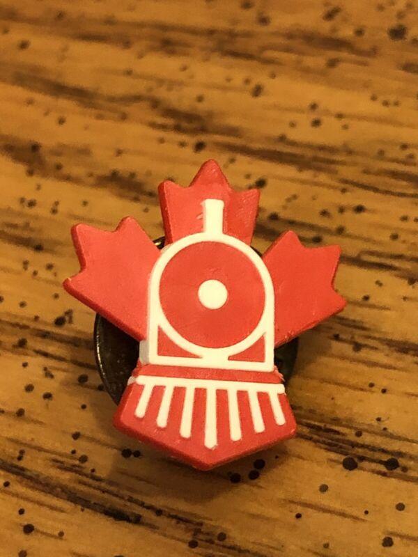 VINTAGE FREEDOM TRAIN RAILROAD 🚞 RED PIN PINBACK MINT RARE