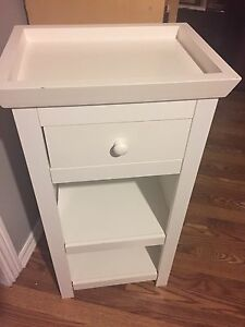 White single drawer bathroom vanity