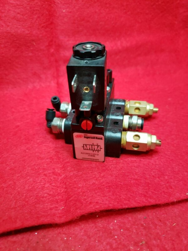 ARO INGERSOLL RAND SOLENOID AIR CONTROL VALVE. MODEL A213SS-O24-D.