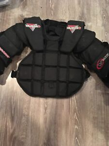 Goalie chest protector - intermediate