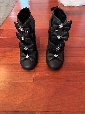 Chanel Bow (Chanel Star Bow Booties 39.5 Black Leather )
