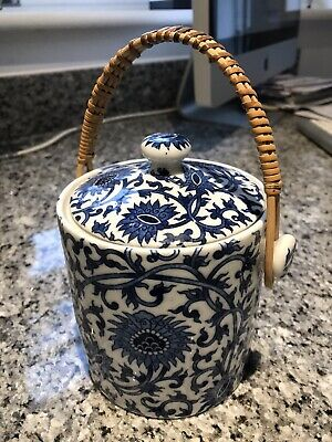 small Chinese blue & white pot canister
