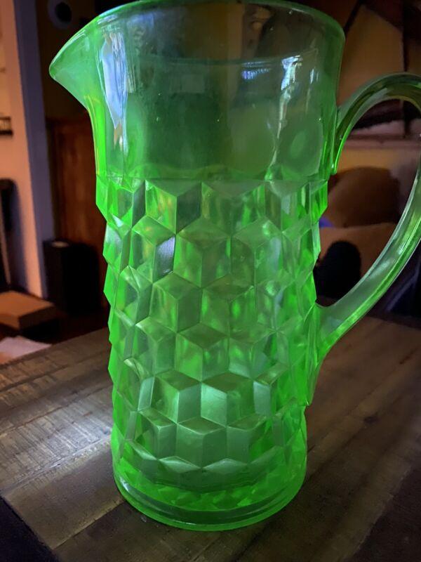 "Green JEANETTE Cubist Cube Original Depression Glass PITCHEr Uranium 8 3/4"""