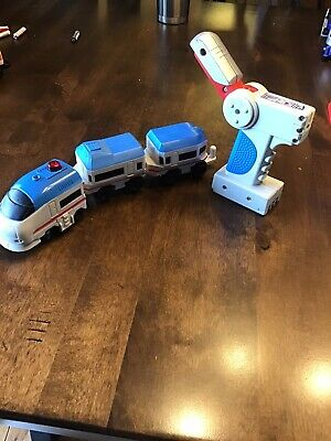 FISHER PRICE GEOTRAX RC REMOTE CONTROL TRAIN SET BLUE & GRAY CROSSTOWN EXPRESS