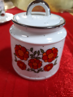 Vintage ceramic retro floral dish with lid made Japan.